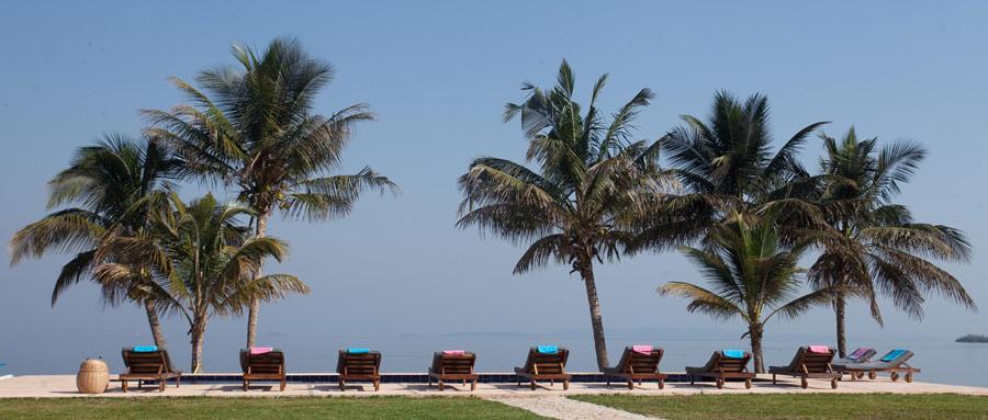 Pineapple Bay Resort Holiday Accommodation In Uganda